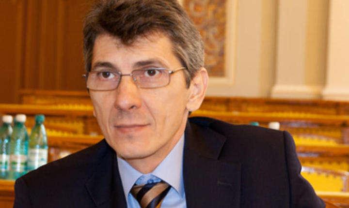 Petru Dandea cere lămuriri Guvernului privind salariul minim