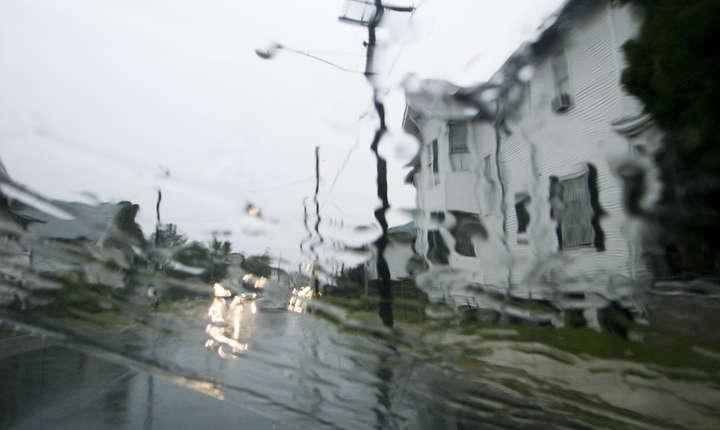 Ploile pot fi puternice, iar cantităţile de apă vor depăşi izolat 40-50 l/mp