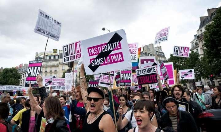 Accesul la PMA pentru cuplurile lesbiene era una din cererile prioritare exprimate recent la Gay Pride de militantii LGBT