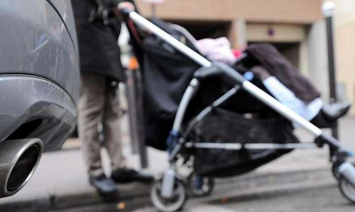 Copiii sunt mult mai expusi la dioxid de azot decât adultii, potrivit studiului unui ONG german