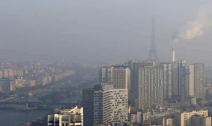Poluare deasupra Parisului, Franta, 2017