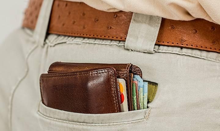 Circuitul banilor: salarii mai mari, consum crescut, cheltuieli mari cu mâncarea.
