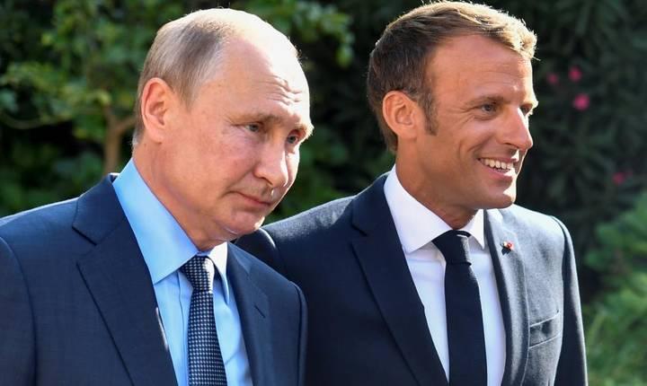 Vladimir Putin şi Emmanuel Macron la Brégançon, pe 19 august 2019