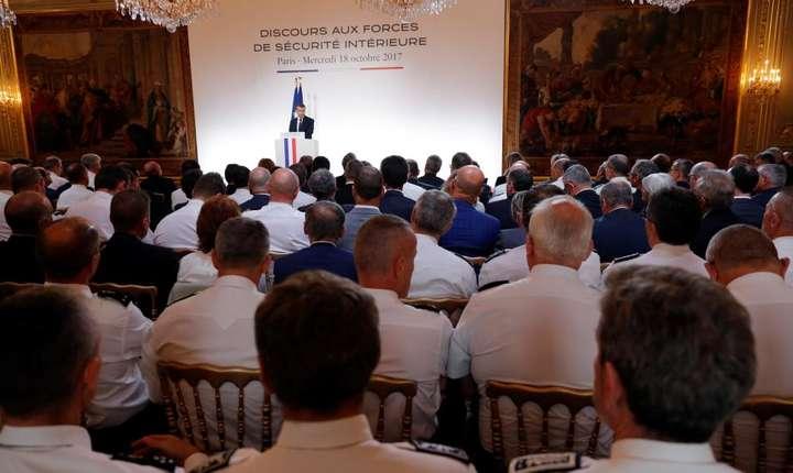 Presedintele Emanuel Macron se exprima în fata a 500 de înalt responsabili din politie si jandarmerie, Palatul Elysée