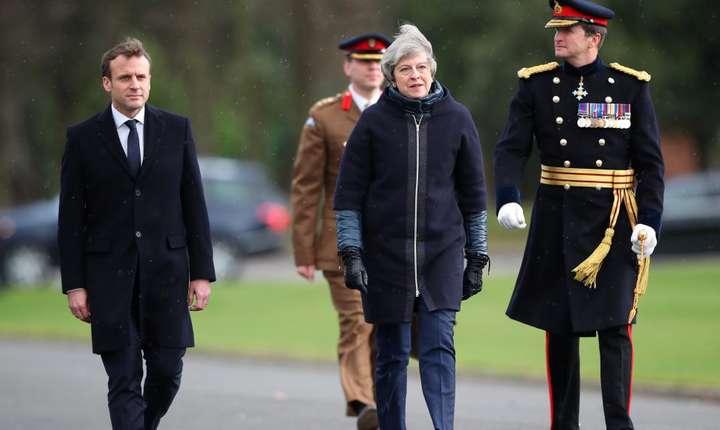 Presedintele Emmanuel Macron a fost primit de premierul britanic Theresa May la Academia Militara Regala de la Sandhurst, Anglia, 18 ianuarie 2018