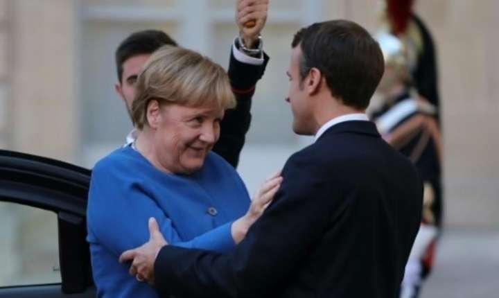 Presedintele Emmanuel Macron a primit-o miercuri pe cancelara germana Angela Merkel la Toulouse unde au discutat despre situatia din Siria, Brexit, largirea UE.