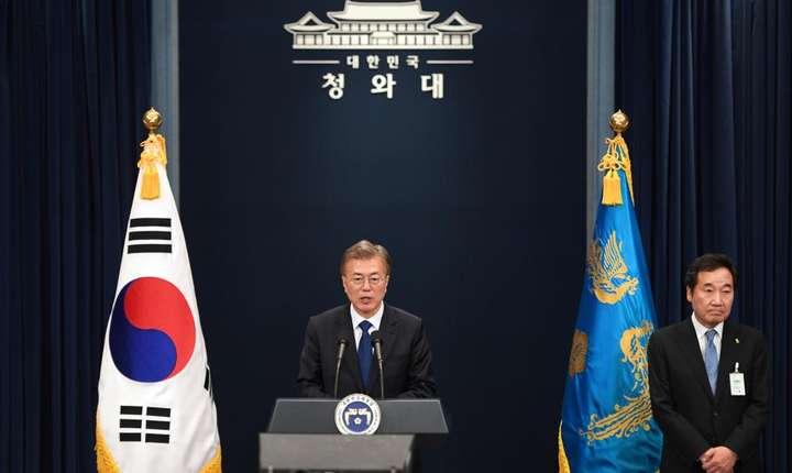 Presedintele Moon Jae-in la prima conferinta de presa dupa învestire, Seoul, 10 mai 2017