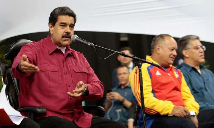 Presedintele venezuelean Nicolas Maduro se exprima in timpul unei reuniuni cu membrii noii Adunari Constituante, 3 august 2017