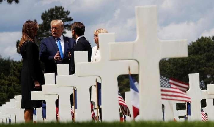 Presedintii Donald Trump si Emmanuel Macron si sotiile lor, Melanie si Brigitte, 6 iunie 2019, în Normandia.
