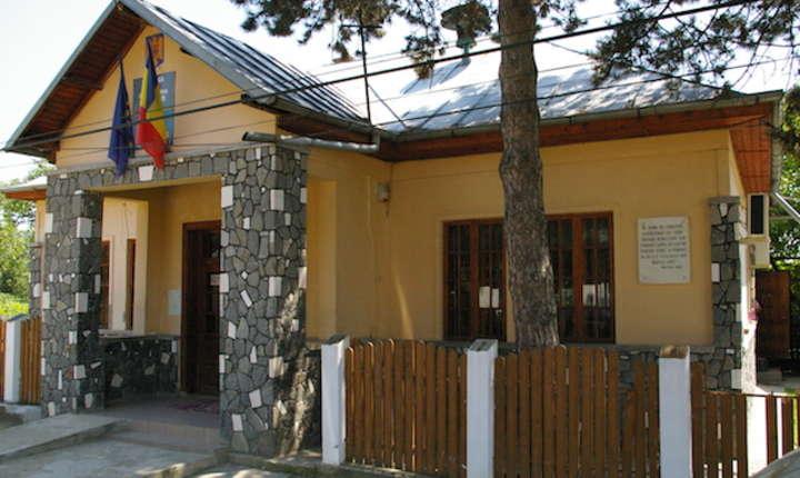 Primăria Lapoș, Prahova, nu mai are bani pentru salarii