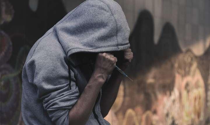 Un deputat PSD propune înfiinţarea unor camere de consiliere pentru dependenţii de droguri (Sursa foto: pixabay)