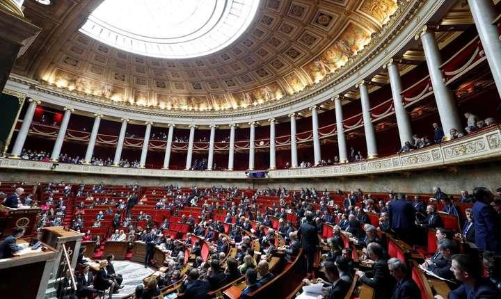 Proiectul de lege privind imigratia si azilul este prezentat in fata deputatilor, luni 16 aprilie