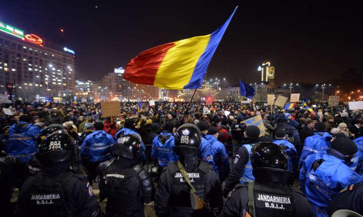 Inițiatorii protestelor cer retragerea legilor justiției