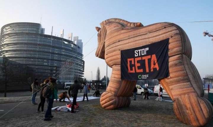 Protest împotriva CETA în fata Parlamentului European la Strasbourg, 15 februarie 2017