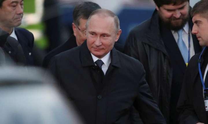 Presedintele Rusiei, Vladimir Putin, la sosirea sa în Japonia pe 15 decembrie 2016