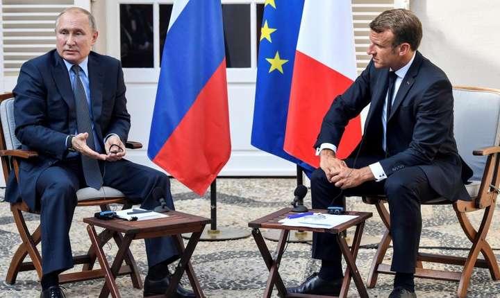 Vladimir Putin şi Emmanuel Macron la Brégançon