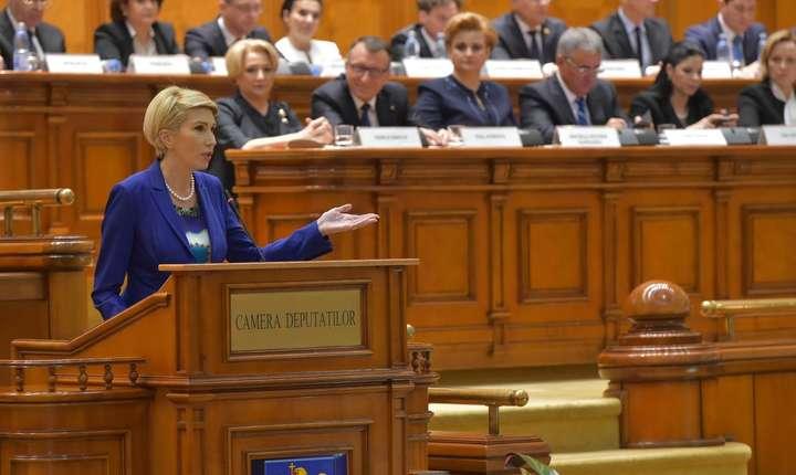 Raluca Turcan critică amendamentele PSD privind executarea pedepselor pentru corupţie la domiciliu (Sursa foto: Facebook/Raluca Turcan)