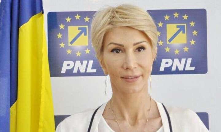 """Raluca Turcan critică """"planul diabolic"""" al PSD (Sursa foto: Facebook/Raluca Turcan)"""