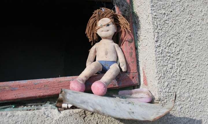 Unul din trei copii români sub şase ani este sărac (Sursa foto: pixabay.com)