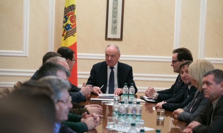 Nicolae Timofti, la întâlnirea cu reprezentanţii noii majorităţi parlamentare (Foto: www.presedinte.md)