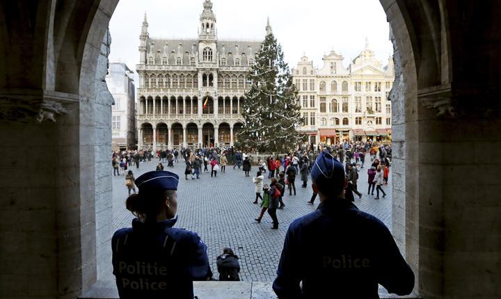 Poliţişti la Bruxelles (Foto: Reuters/Francois Lenoir)