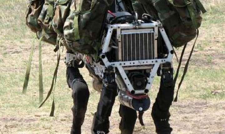 Big Dog este un robot care poate merge, alerga, se càtàra si duce în spate greutàti mari