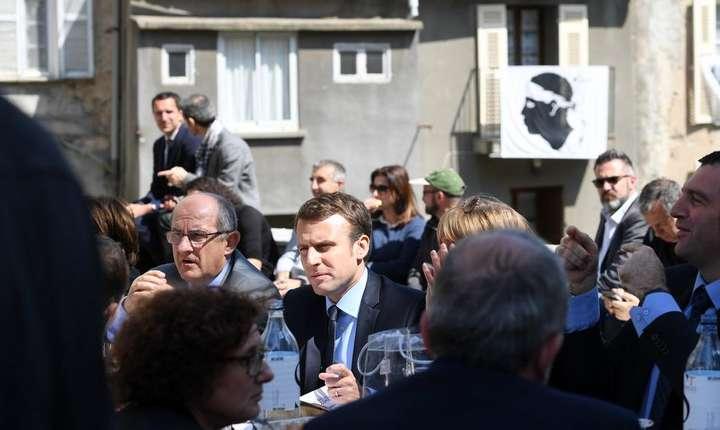 Emmanul Macron în cursul unei precedente vizite în Corsica, 7 aprilie 2017