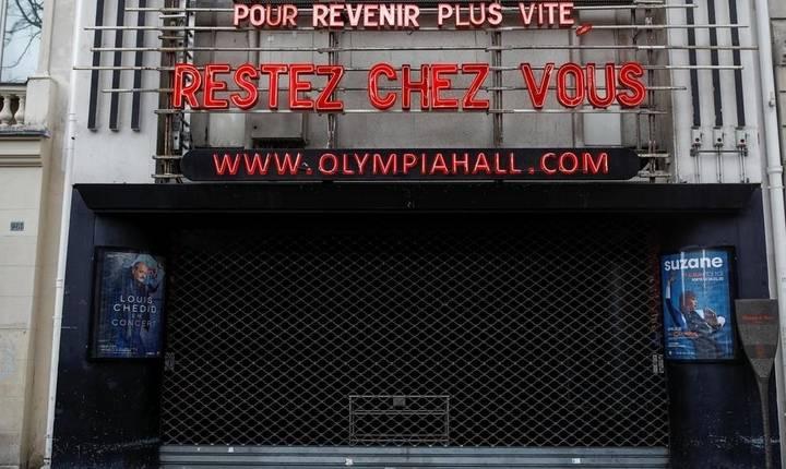 Sălile de spectacole ramân închise în Franța și la începutul lunii decembrie.