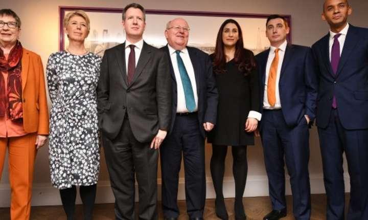 Șapte deputați Laburiști demisionari