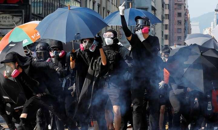 Proteste violente, în Hong Kong (Foto: Reuters/Kim Kyung-Hoon)