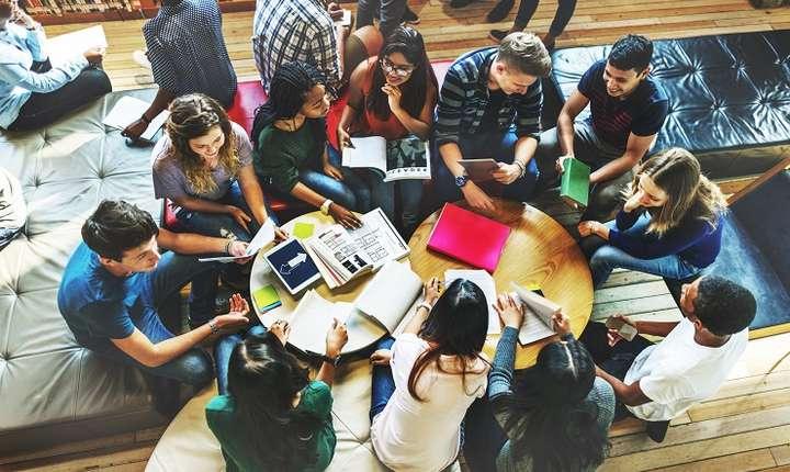 Şcoli de vară internaţionale în România