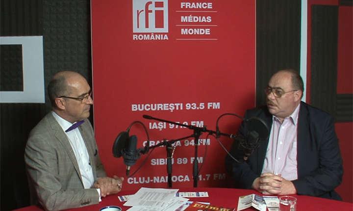 Sergiu COSTACHE și Sorin GRECEANU in studioul de inregistrari RFI Romania