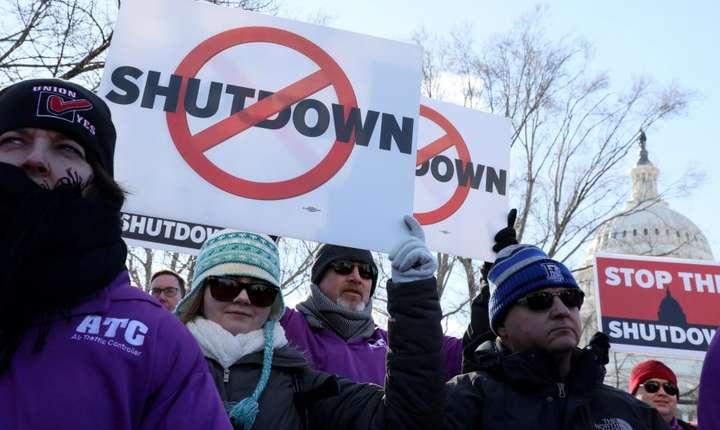 Manifestaţie contra shutdown-ului din SUA, la Washington, 10 ianuarie 2019 (Foto: Reuters/Jonathan Ernst)