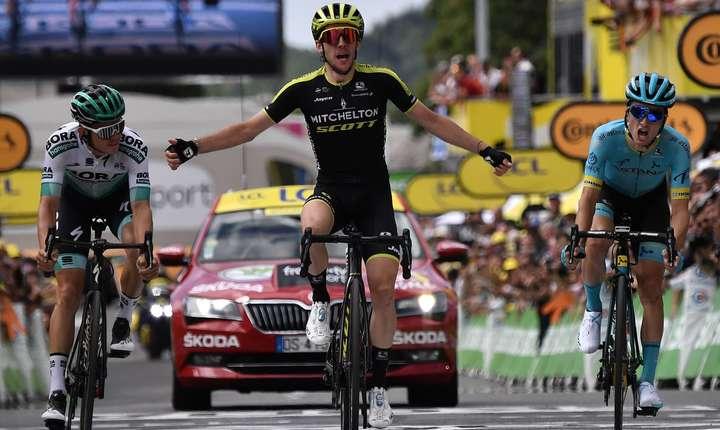 Simon Yates câștigă etapa 12
