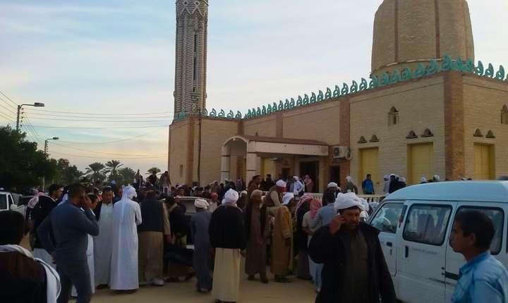 În nordul Sinaiului, forțele de securitate egiptene luptă cu militanți ai Statului Islamic