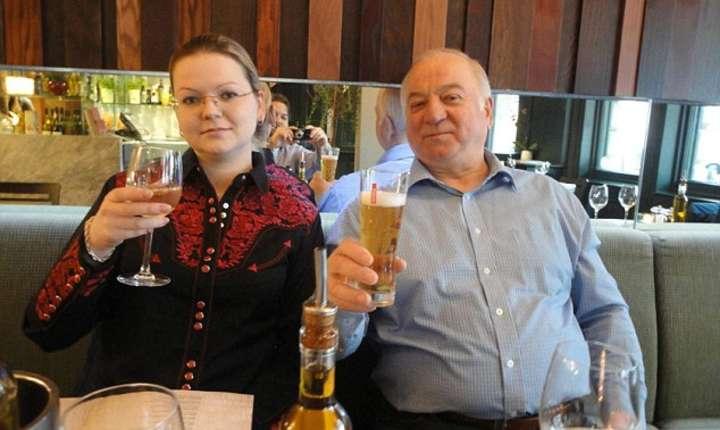Sergei Skripal și fiica sa Yulia