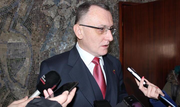 Ministrul Educaţiei, Sorin Cîmpeanu, desemnat premier interimar