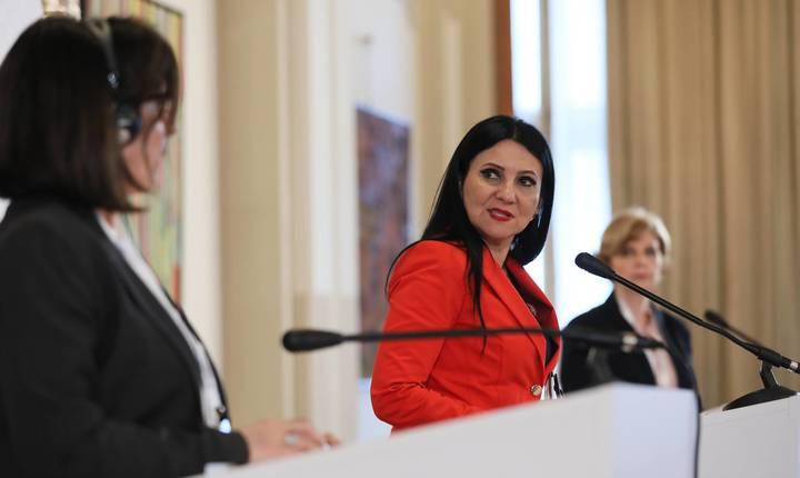 Ministrul Sorina Pintea critică blocajul cardului CNAS (Sursa foto: Facebook/Sorina Pintea)