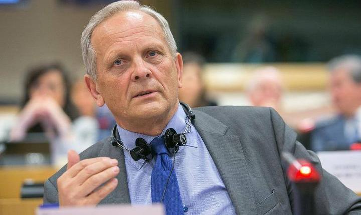 Europarlamentarul liberal, Theodor Stolojan (Foto: Facebook)