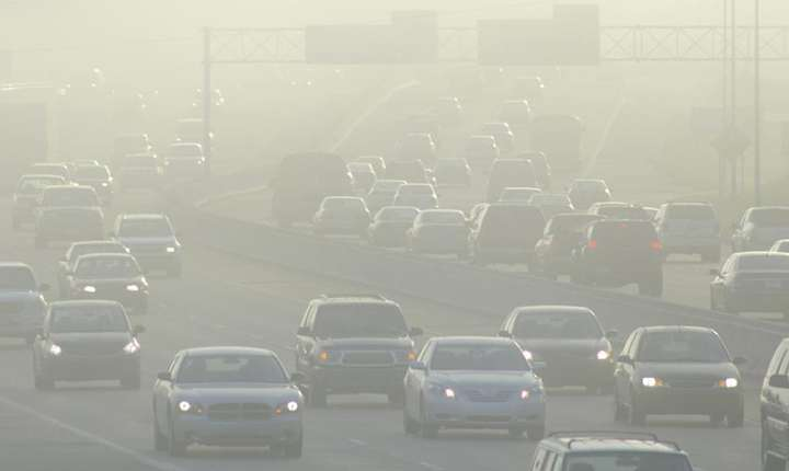 Studiu: Aerul poluat slăbeşte inima.