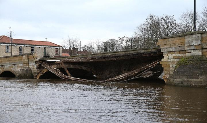 Pod prăbușit la Tadcaster în nordul Angliei