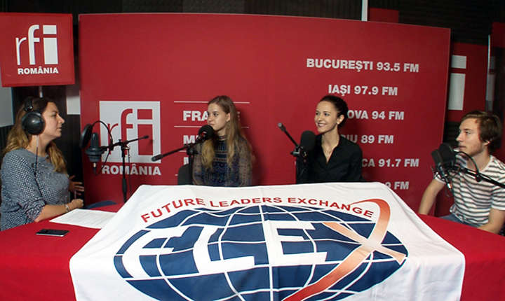 Invitatii Andreei Pietrosel in studioul de inregistrari RFI Romania