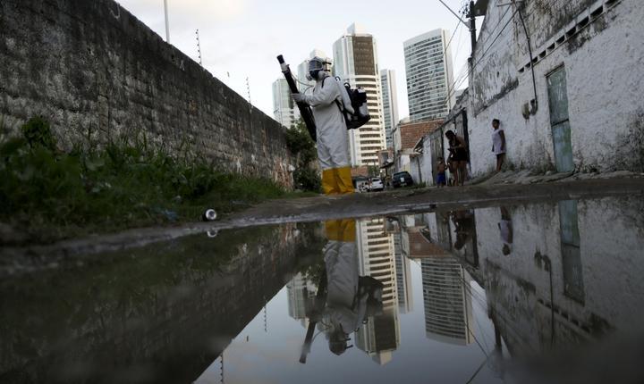 Măsuri de prevenire a răspândirii virusului Zika, în Brazilia (Foto: Reuters/Ueslei Marcelino)
