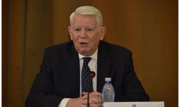 Teodor Meleşcanu anunţă că evaluarea ambasadorilor se va încheia în zece zile (Sursa foto: site MAE)
