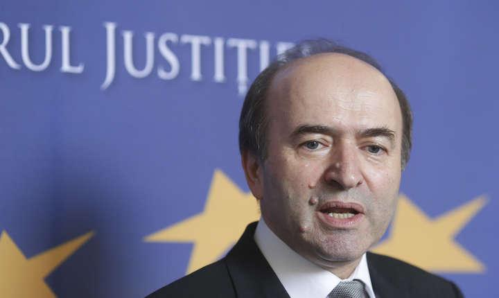 Tudorel Toader a declarat că, dacă modificarea legilor justiției nu va fi decisă de Parlement, Guvernul e îndreptățit să emită o ordonanță de urgență