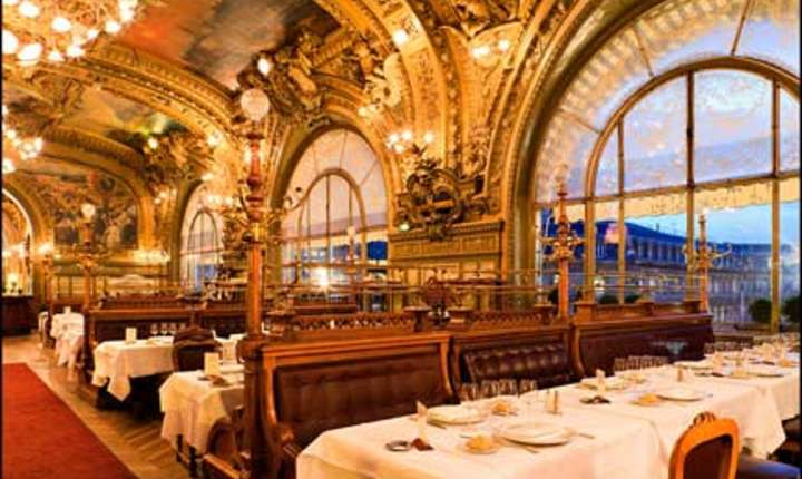 """Gare de Lyon, restaurantul """"Le Train bleu"""""""