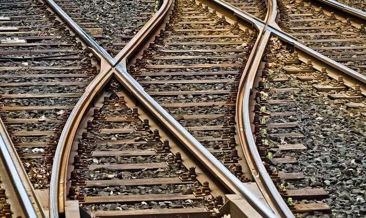 Un tren a deraiat în judeţul Hunedoara (Sursa foto: pixabay-ilustraţie)