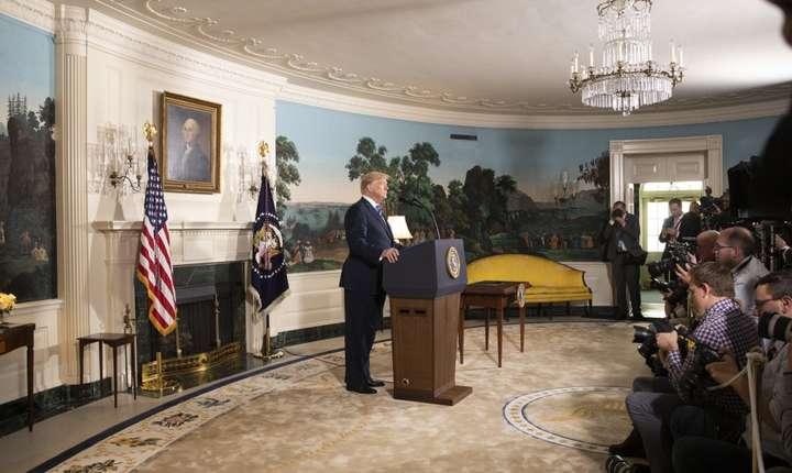 """Preşedintele american Donald Trump a anunţat marţi, la Casa Albă, că Statele Unite se retrag din acordul în dosarul nuclear iranian, pe care l-a catalogat drept """"defectuos la baza sa""""."""