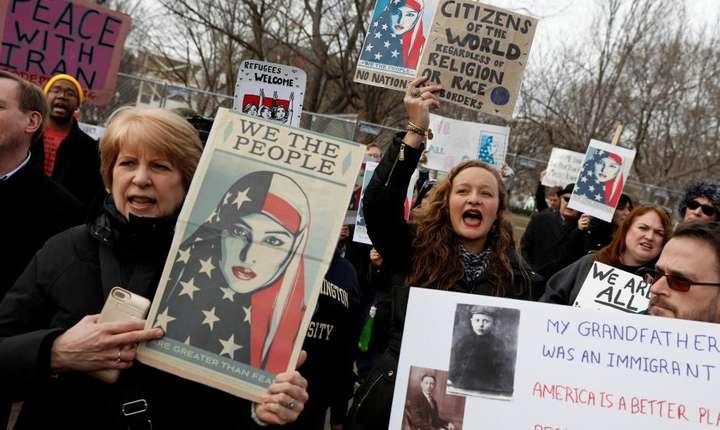 Protestatari la Washington împotriva decretului prezidențial privind imigrația, 29 ianuarie 2017