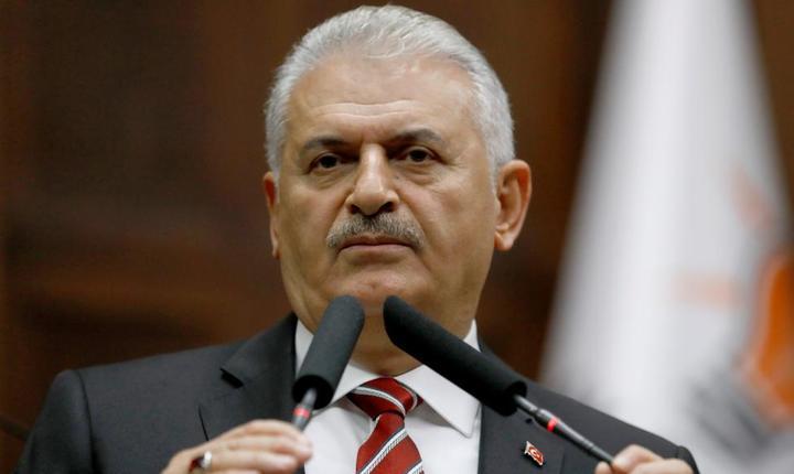 Premierul turc Binali Yildirim în fata Parlementului de la Ankara, pe 8 noiembrie 2016